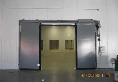 Rite-Hite electric bi-parting doors