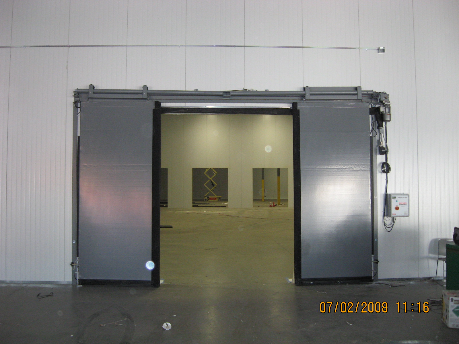 Rite-Hite electric bi-parting doors